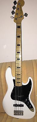 Squier by Fender Vintage Modified Jazz Bass V 5 corde bianco OWT