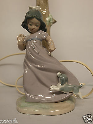 """Lladro Nao Lamp """"Girl playing with puppy"""" figurine"""