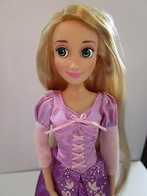 """Disney Store RAPUNZEL 11"""" Classic Doll Tangled Barbie Excellent Cond."""