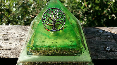 Large unique [10cm]Glowing Orgone/Orgonite Double Pyramid. Tree of life GREEN