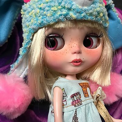 �� Blythe Customised Doll And Outfit U.K. Seller