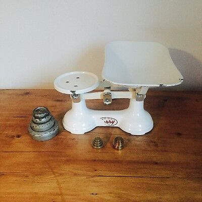 Vintage Weighing Kitchen Scales With Weights