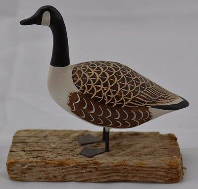 """Small Carved Wood Canadian Goose Unsigned 4 1/2"""" long base"""