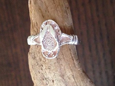 A beautiful vintage Sandal Ring,sterling.resale,marked925,size 6.25