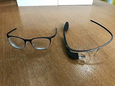 GOOGLE GLASS: Explorer Edition with Charcoal Frames