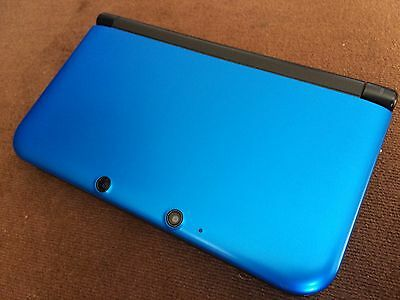 American 3DS XL console in blue (boxed and complete)