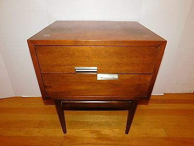 Vintage Walnut American of Martinsville Nightstand End Table Mid Century Modern