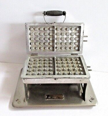 Waffle Iron Landers Fray & Clark Universal NO CORDS for Display Chrome Kitchen