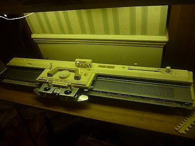 Brother Kh836 Knitting Machine, Knitleader, Intarsia Carriage And Table
