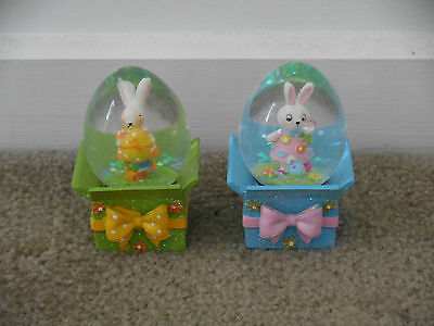 2 x Easter Bunny Snowglobes