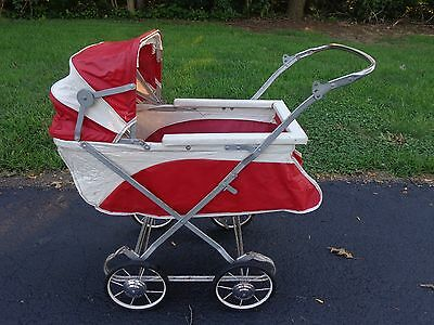 Vintage Baby Stroller Buggy With Canapy Red & White Rolls Great Folds Flat