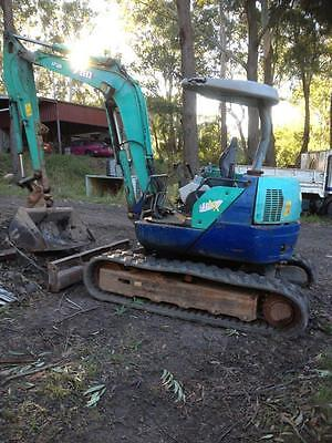 IHI Rubber Track 4.5 Ton 45NX Excavator 4 Cyl Diesel 3 buckets Reduced to SELL