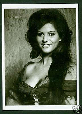 Claudia Cardinale - Photo By Larry Shaw - Ansichtskarte