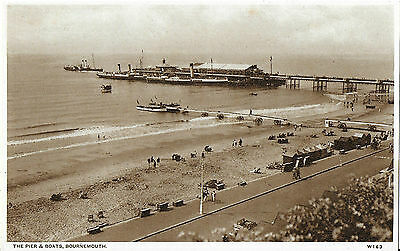 RP Card BOURNEMOUTH PIER & BOATS - Wade's Card - Unposted