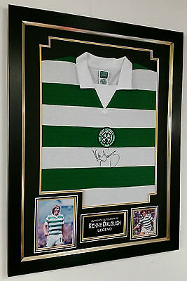 *** Rare KENNY DALGLISH of Celtic Signed Shirt  AUTOGRAPH Display **