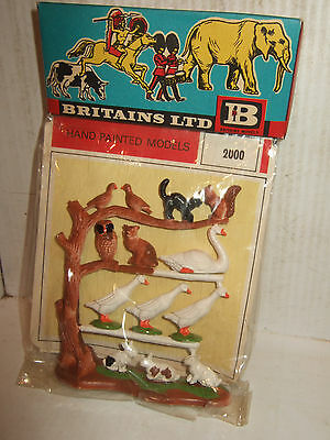 Vintage & Rare Britains 2000, Pack of Farm Birds-Animals inc Owl, in 1:32 Scale.