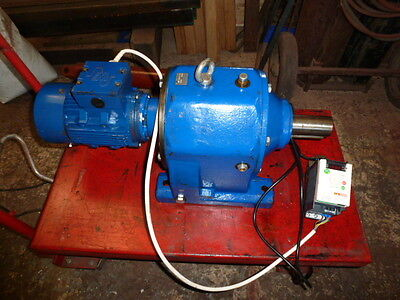 REDUCTION GEARBOX &  INVERTER DRIVE 240v /   HIGH TORQUE   ( FREE DELIVERY )