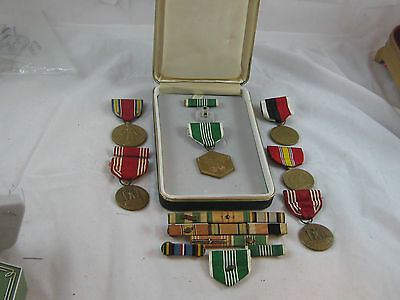 Lot Of  u.s. WW 11 Military War medals & rinnons