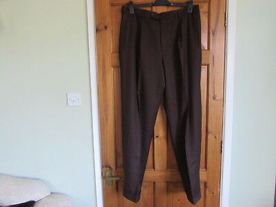 brown northern soul / 50s  single pleated turn up trousers W 38 X L 33