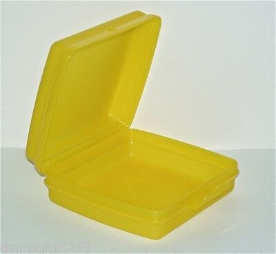 Tupperware Square Sandwich Keeper with Hinged Top - Sunny Yellow