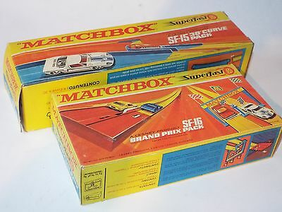 2 Matchbox Superfast items: SF-15 Curve Track pack + SF-16 Grand Prix Pack -part