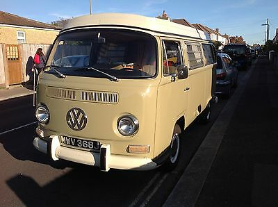 Volkswagen VW T2 Early Bay Window Camper Van. Westfalia. Campmobile 1971 Reduced