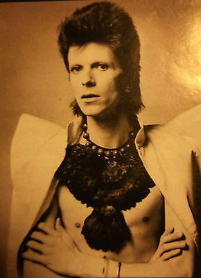 1 german clipping DAVID BOWIE SHIRTLESS SINGER ROCK BOY BAND BOYS R.I.P 70s