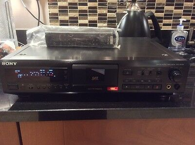 Sony DTC-ZE700 DAT Digital Audio Tape Recorder Player