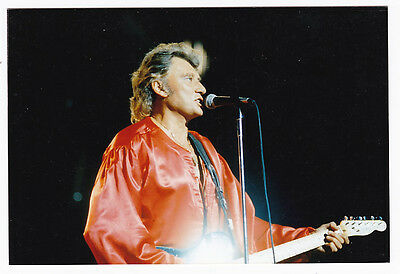 JOHNNY HALLYDAY     Photo couleur format environ 10 X 15 CM