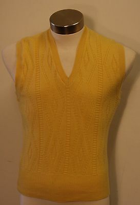 SMALL SIZE, MENS,1940's YELLOW KNIT WOOL VEST. ORIGINAL VINTAGE.