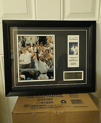 DEREK JETER  3k Hit Authentic Ticket and Color Photograph.