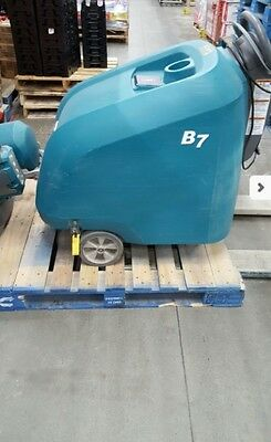 TENNANT B7 27-inch Battery-Powered Walk Behind Burnisher...
