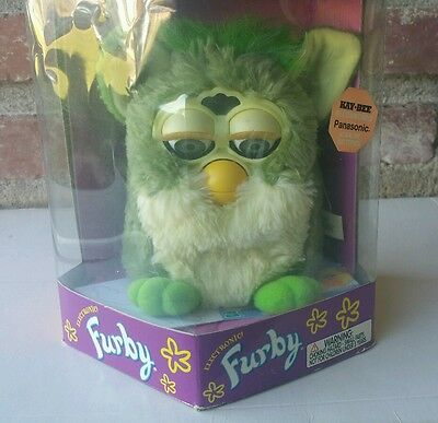 """""""Frog"""" Furby NEW IN BOX #70-800 Tiger Electronics (1998) Gen 3"""