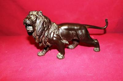 VINTAGE LATE 1800s CAST LION DETAILED PAW CARVING ON BOTTOM OF FEET BRONZE ?