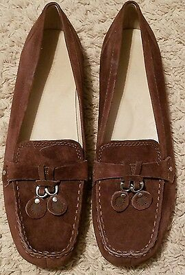 Ugg Ladies Size 8.5 Brown Leather Suede Flat (5152)