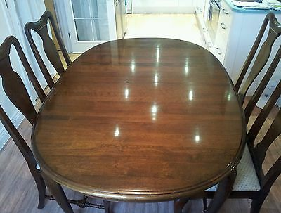 "ETHAN ALLEN Classic Manor 66x44"" Oval Queen Anne Dining Table And 4 Chairs"