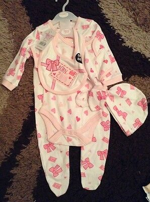 NWT baby born in 2016 3-6 months set gift new