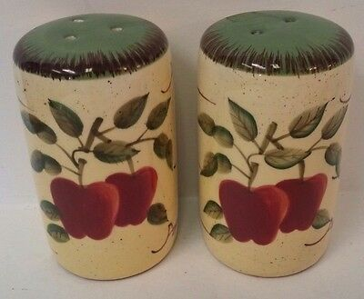 Home Interiors & Gifts Apple Orchard Collection Salt & Pepper Shakers w Stoppers