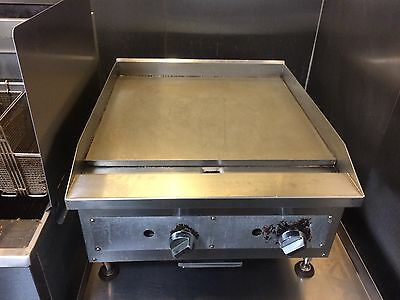 "24"" Vollrath Cayenne Flat Top Gas Counter Top Grill Thermostatic Control"