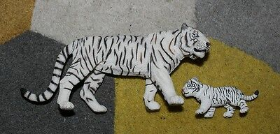 PAPO Wildlife Collectible WHITE TIGER and CUB!