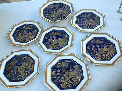 Vintage Coalport Salad/Dessert & Taza service in cobalt blue background [1894]