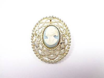 Vintage brooch gold tone pin pendant Sarah Coventry lace design blue cameo
