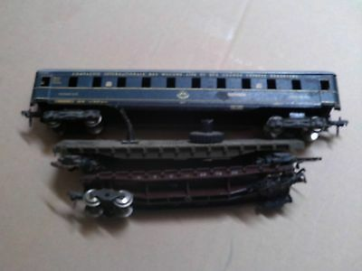 Ho Scale Model Railway Track And Carriages