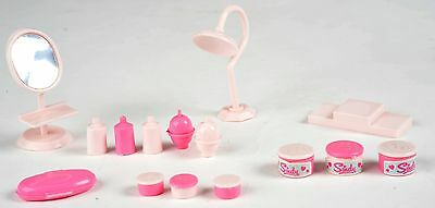 Sindy Pedigree Beauty Centre - vintage 44266 with pots and tops