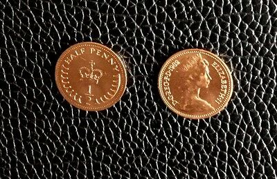 1982 / 35th BIRTHDAY GIFT - MINT 1982 HALF PENCE COIN BIRTHDAY OR FATHER'S DAY