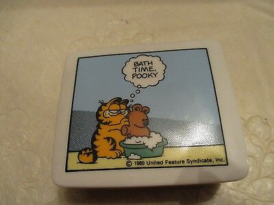 "1980 Enesco ""Garfield"" by Jim Davis Ceramic Trinket Box ""Bath Time Pooky"""