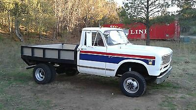 1975 International Harvester Pickup Standard 1975 International Harvestor 200 1 Ton