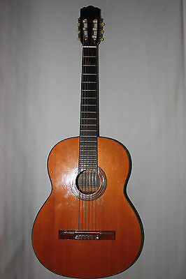 Vintage Terada 500 japaneese classical guitar in a cover