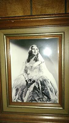 Joan Fontaine  signed 9x7 photo authentic signed !!! comes unframed