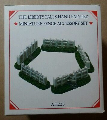 NEW - LIBERTY FALLS Hand Painted Miniature Fence Accessory Set AH225